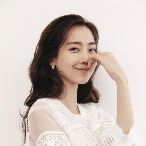 MINE 2021 SPRING with Shin Hyun Been 앨범 바로가기